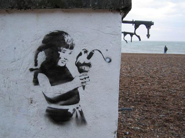 banksy-graffiti-street-art-Ice-Cream-Bomb