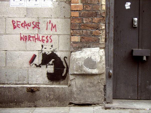 banksy-graffiti-street-art-Worthless3