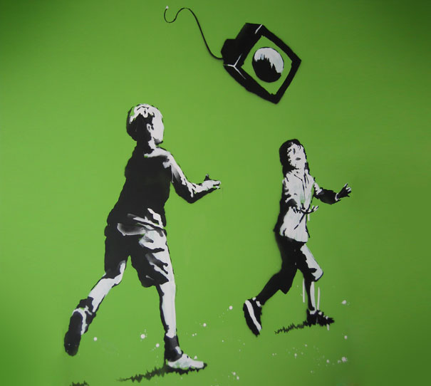banksy-graffiti-street-art-virtual-play