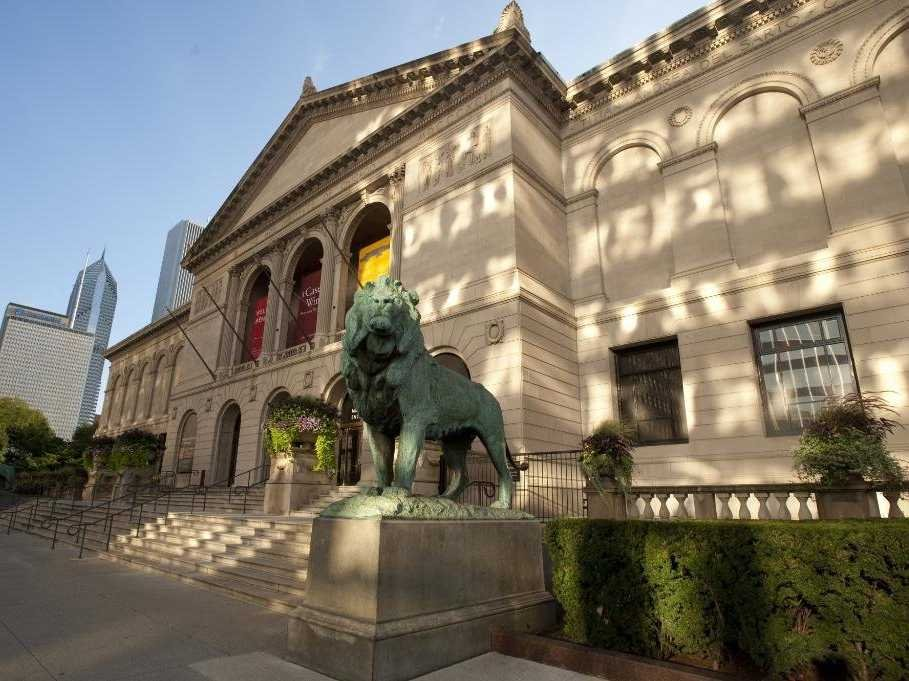 no-1-the-art-institute-of-chicago-has-300000-works-of-art-in-its-permanent-collection--including-the-famous-american-gothic-painting