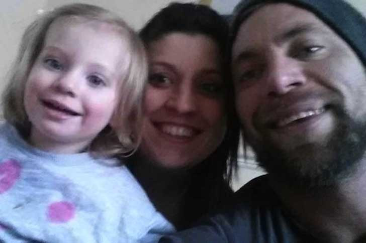 Tanya-Phillips-along-with-her-husband-Adam-and-daughter-Honey-Rae