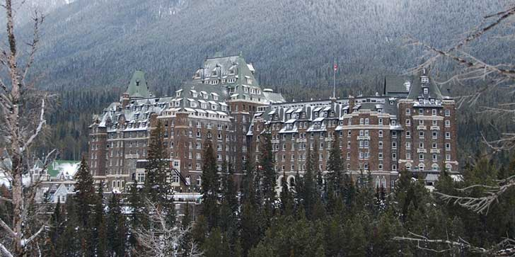 103113-Fairmont-Banff-Springs-Hotel-for-Halloween-1024x510