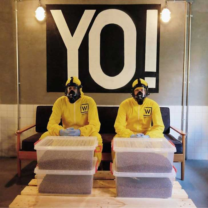 Breaking-Bad-themed-coffee-shop-in-Istanbul11__605