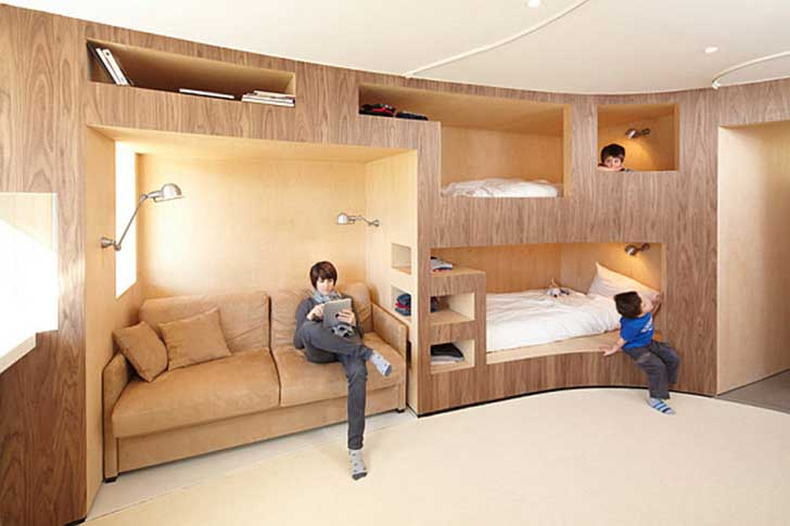Innovative-wooden-wall-with-several-bunk-beds