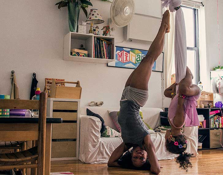 Home-Stage-I-photograph-dancers-in-their-own-homes.11__880