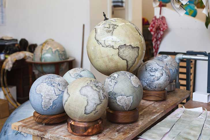 One-of-the-Worlds-Only-Globe-Making-Studios-Celebrates-the-Ancient-Art-of-Handcrafted-Globes34__880