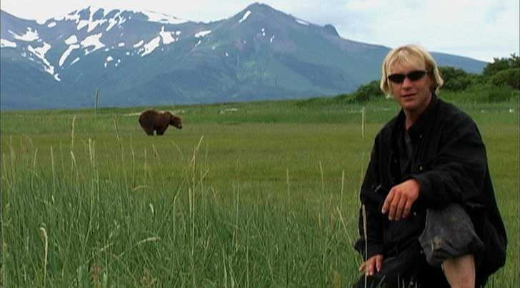 grizzly_man_2005_2925_650x