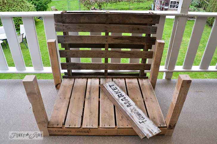 Pallet-wood-patio-chair-05851