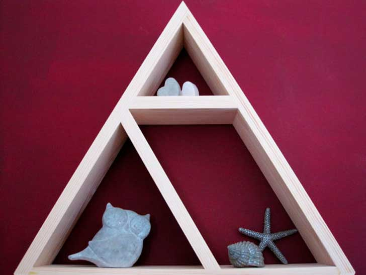 triangleshelf