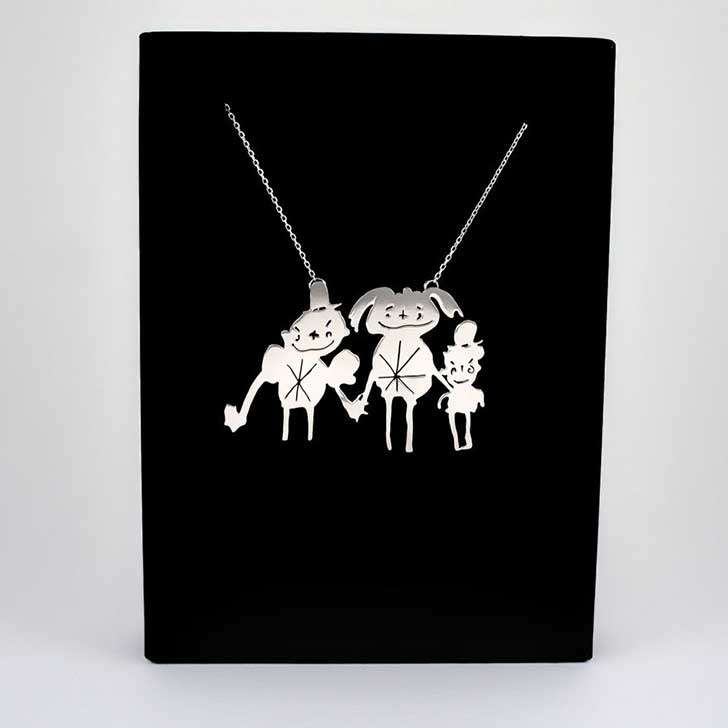 two-artist-moms-are-turning-the-childrens-art-to-unique-silver-jewellery-7__880