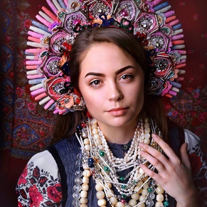 traditional-ukrainian-crowns-treti-pivni-19-57985bd80d2d3__605 2