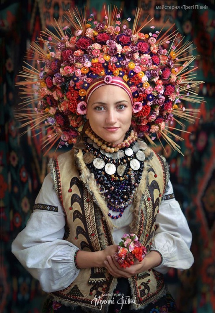 traditional-ukrainian-crowns-treti-pivni-46-57985c2807a04__605 2