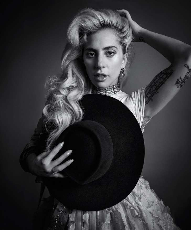 gallery-1478793851-hbz-lady-gaga-dec-jan-2017-03-2