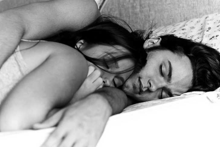 black-and-white-boy-couple-couples-cuddle-cute-Favim.com-107487-1763