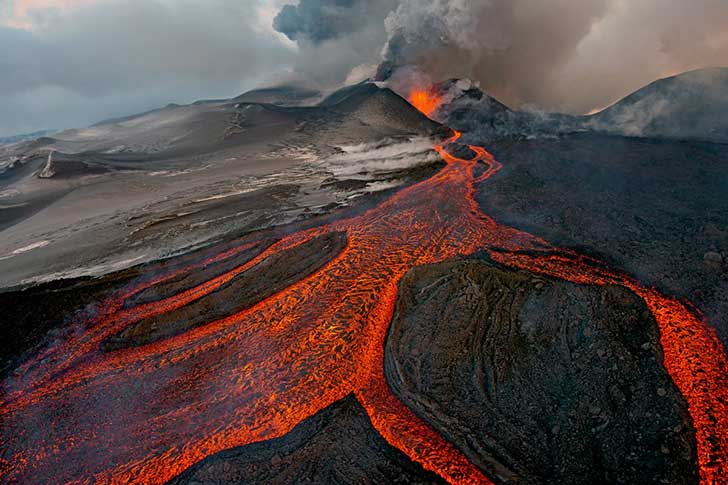 the-cauldron--sergey-gorshkov-of-russia-photographed-plosky-tolbachik-a-volcano-in-central-russia-from-a-helicopter-when-it-erupted-last-november-for-the-first-time-in-36-years